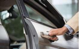 Что делать, если скрипят двери в автомобиле